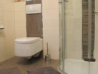 Versiegeln von Sanitärbereichen